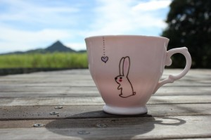 Lonely-heart-pink-vintage-bunny-teacup-1024x682